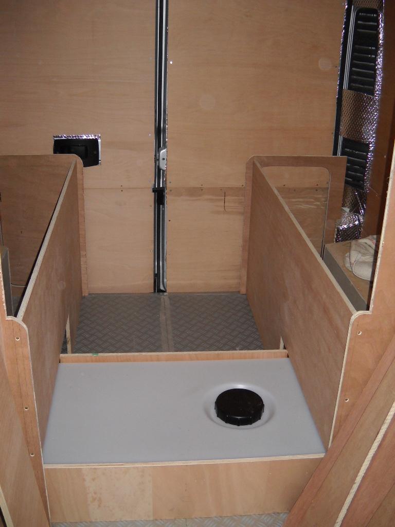 le fourgon am nag d 39 olivier et josiane poimobile. Black Bedroom Furniture Sets. Home Design Ideas