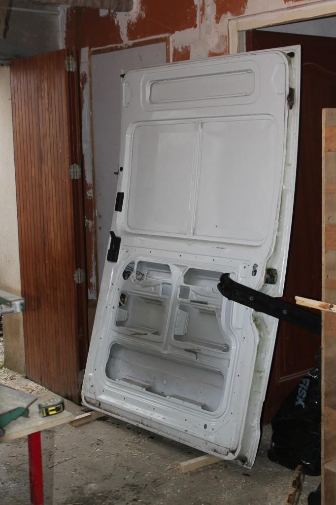 la porte coulissante enlevée