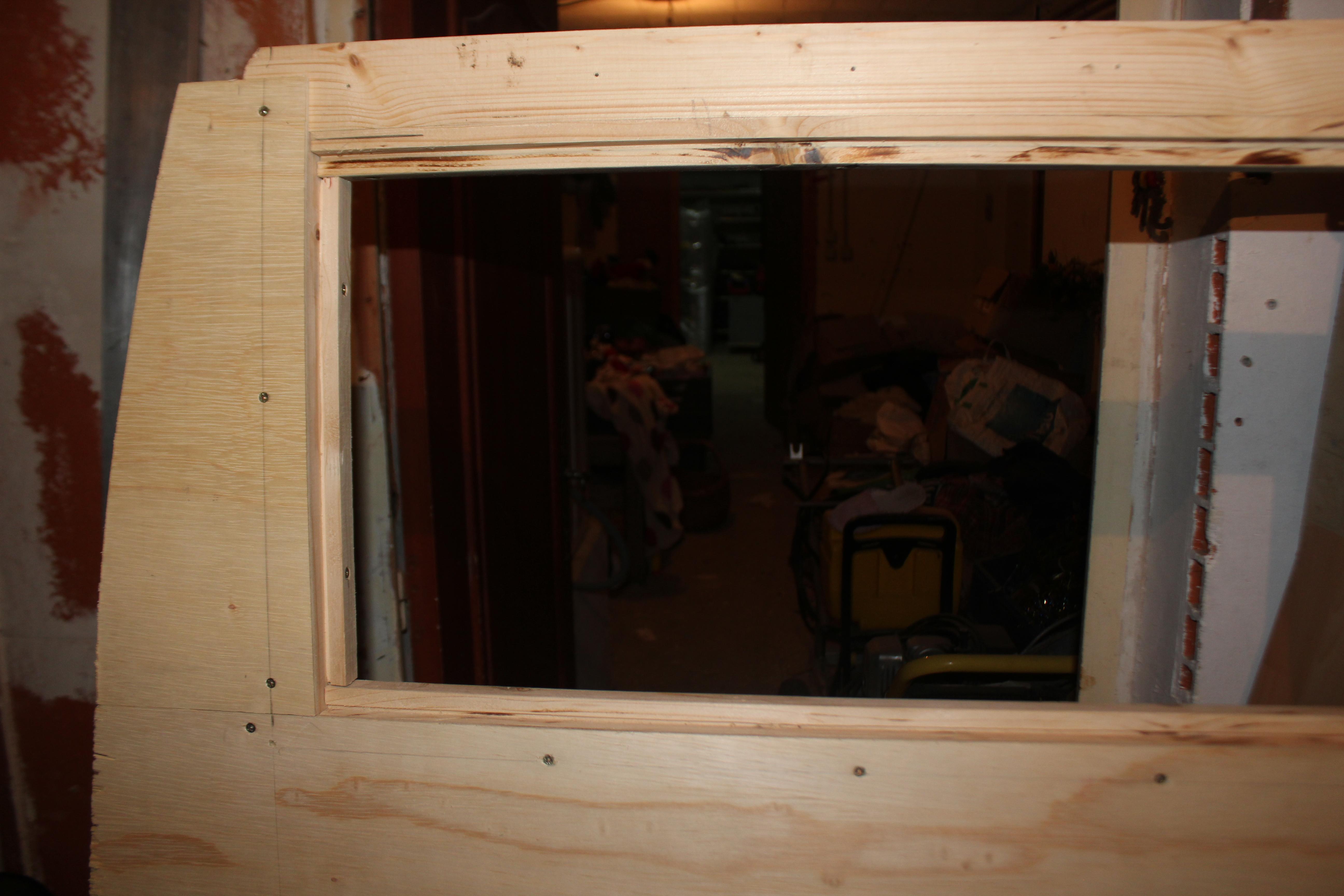 Construction de la cloison poimobile fourgon am nag for Fenetre plexiglass