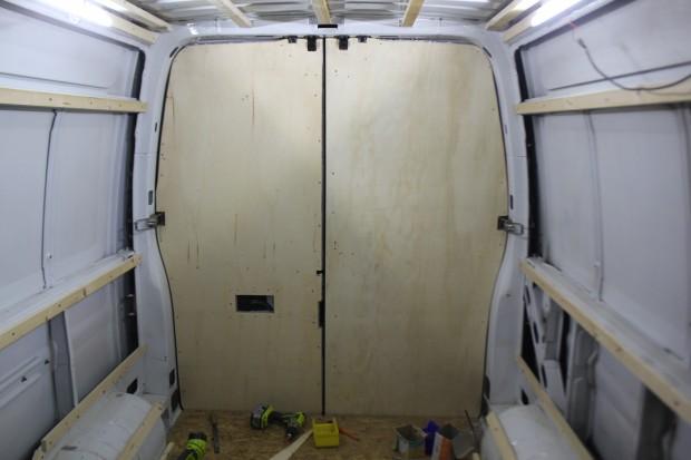 Habillage porte arrières camion