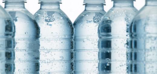 eau minérale en fourgon aménagé