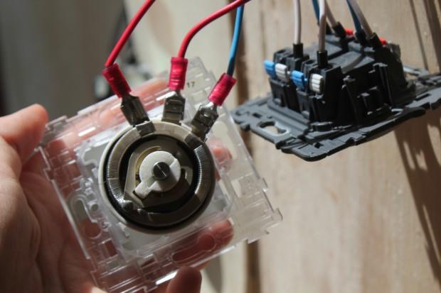 électricité branchement variateur