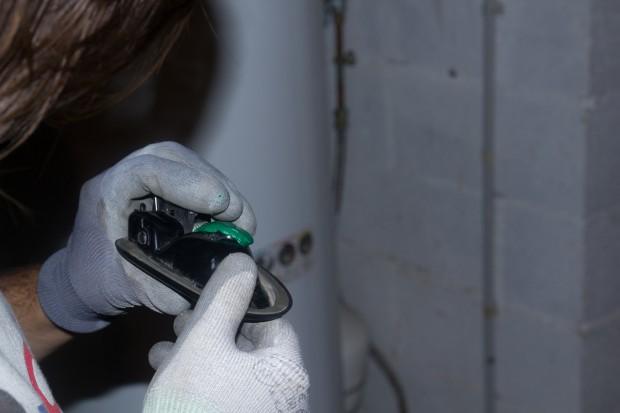 reparer-poignee-fourgon-bouchons-en-plastique-recylces
