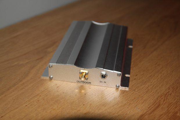branchement de l'amplificateur dans le fourgon