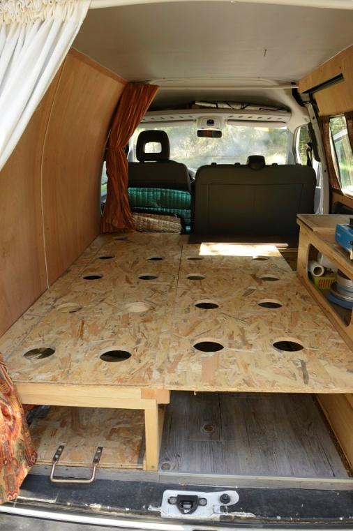 le fourgon am nag de gabriel poimobile fourgon am nag. Black Bedroom Furniture Sets. Home Design Ideas