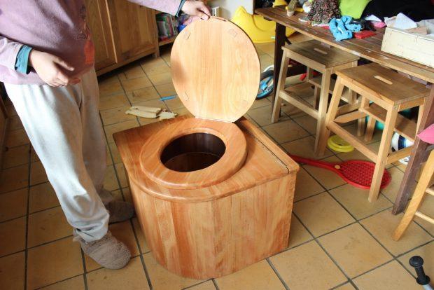 Toilettes sèches pour fourgon aménagé
