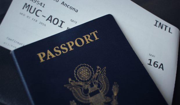 Passeport, Visa et AVE pour le Canada