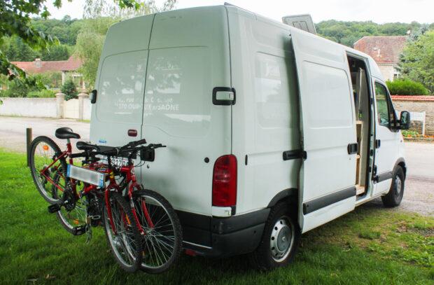 Porte vélo sur notre fourgon aménagé
