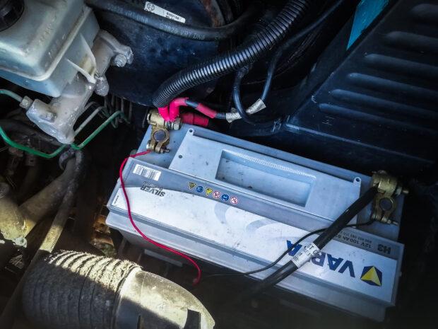 Batterie de démarrage au plomb fourgon